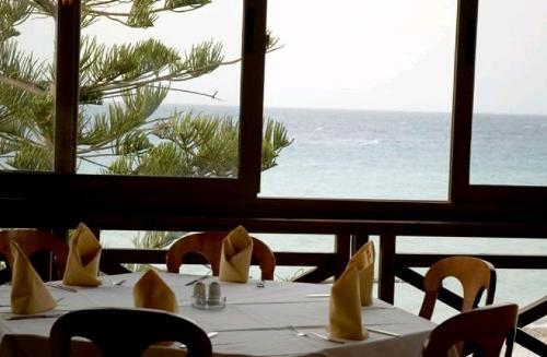 Hotel Sunshine Vacation Clubs restaurant.JPG