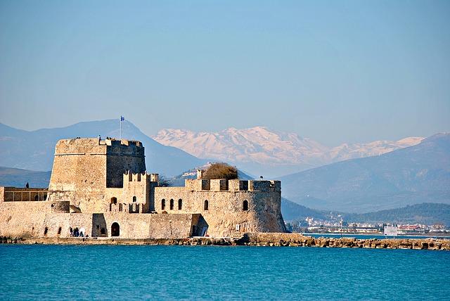 castle-1445916_640.jpg