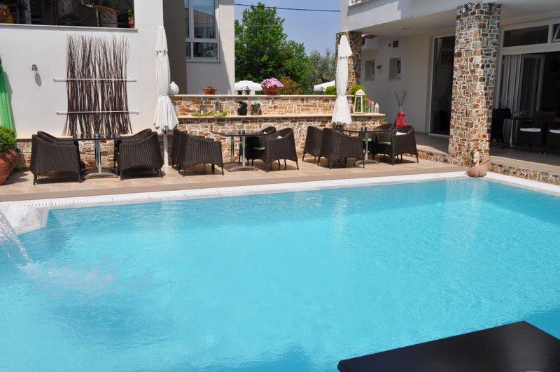 Thassos, Hotel Metsikas Residence, exterior, hotel, piscina, terasa.jpg