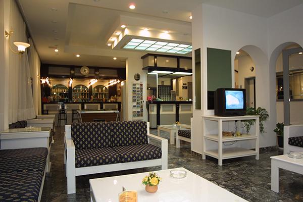 iro-lobby-bar-1.jpg