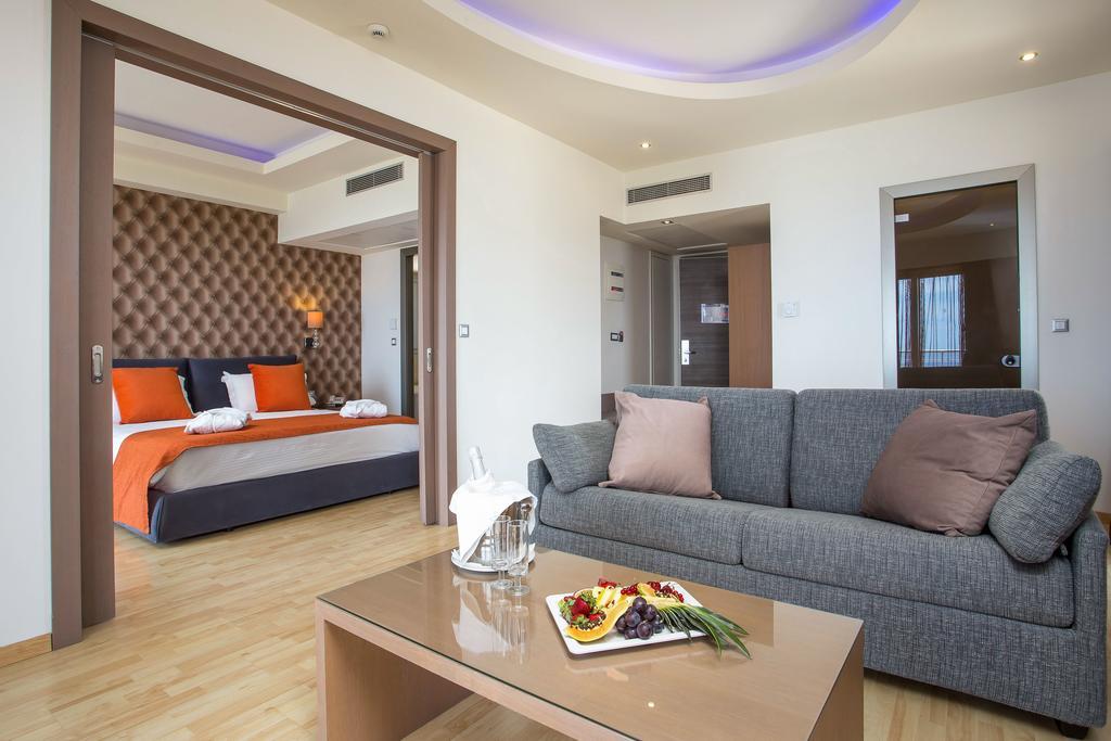 Pegasos Deluxe Beach Hotel2.jpg
