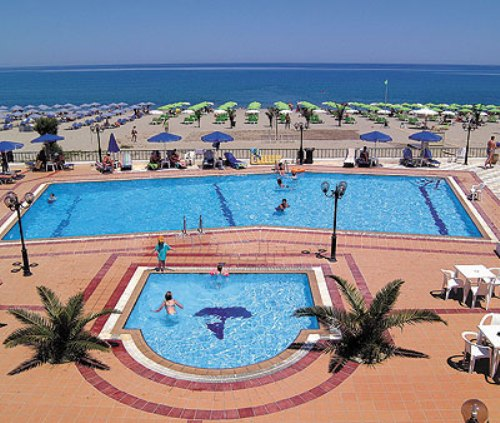 Hotel Golden Beach piscina.jpg