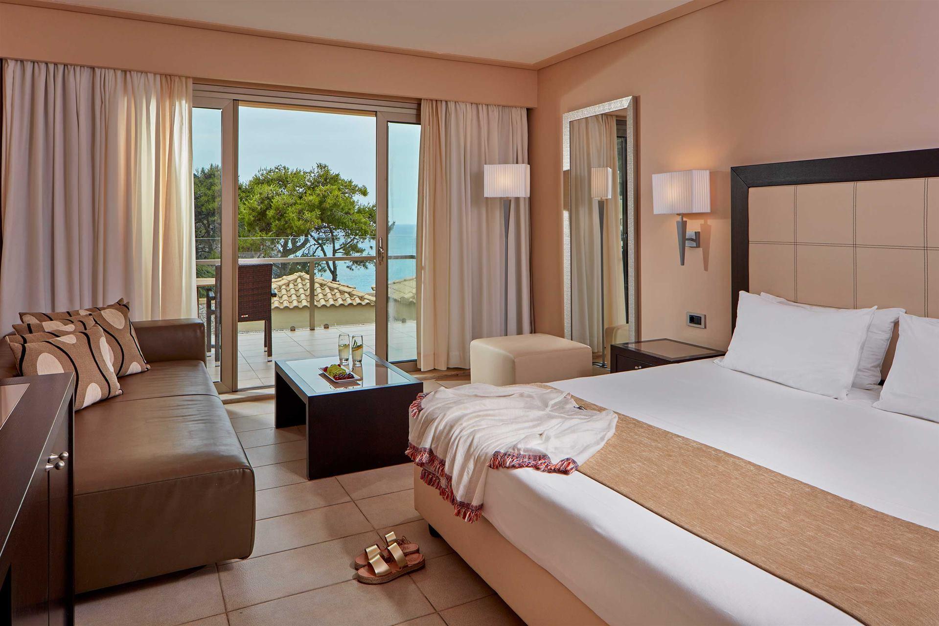 double-sea-view-room-.jpg