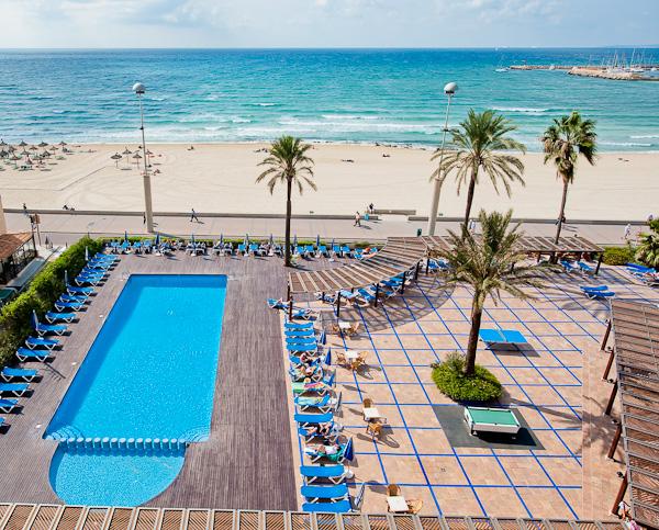HOTEL_THB_EL_CID_PISCINA_VISTA_MAR.jpg