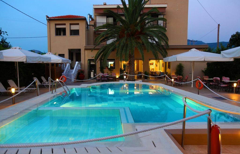 holidays-hotel-163.jpg