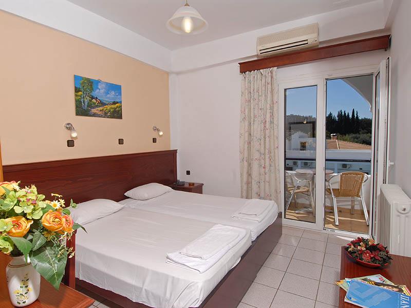 Corfu, Hotel Gouvia, camere.jpg