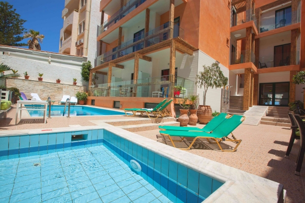 Creta, Palmera Hotel, piscine, sezlonguri.jpg