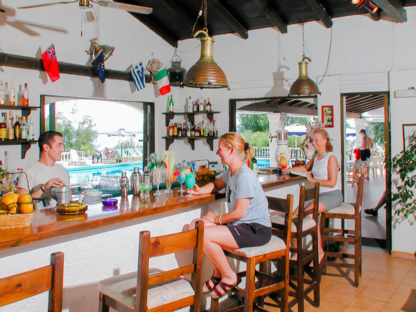 Corfu, Hotel Nautilus, bar.jpg