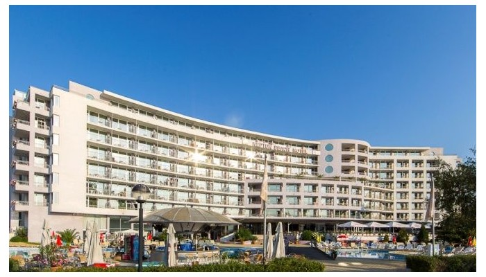 Neptun Beach hotel.jpg
