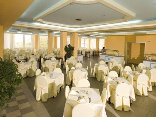 Hotel Kolymbia Star restaurant.jpg
