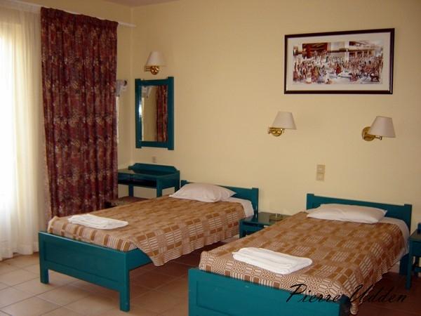 hotel_ilios_room002.jpg