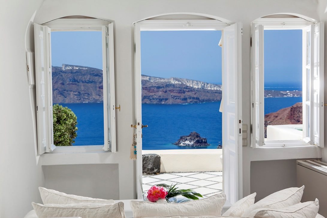 Canaves-Oia-Suites_301.jpg