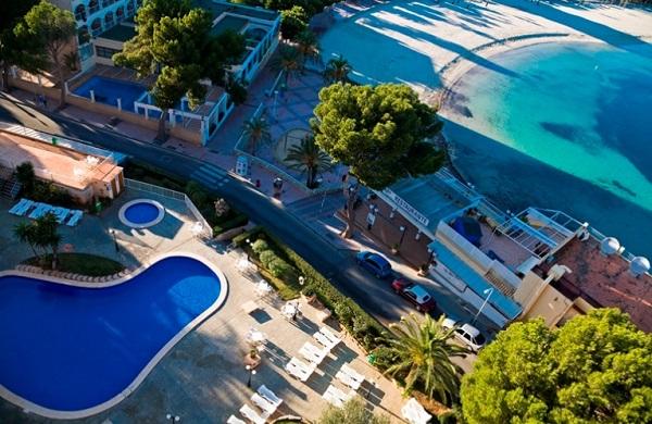 Fergus Tobago, exterior, piscina, plaja.jpg