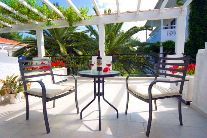 porfi_beach_nikiti_balcon.JPG