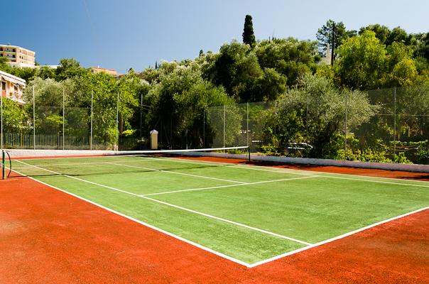 Corfu, Hotel Akrotiri Beach, teren tenis.jpg