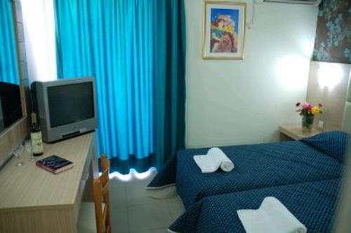 Hotel Admiral Tsilivi camera.JPG