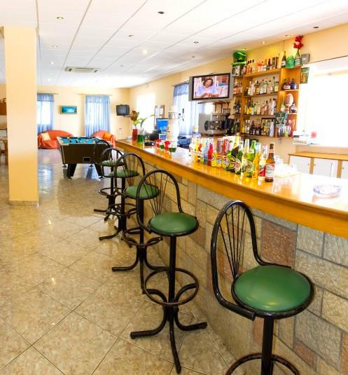 Zakynthos, Plessas Palace, interior, bar, sala jocuri.jpg