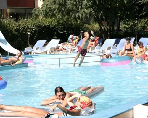 Hotel Svejest piscina.JPG