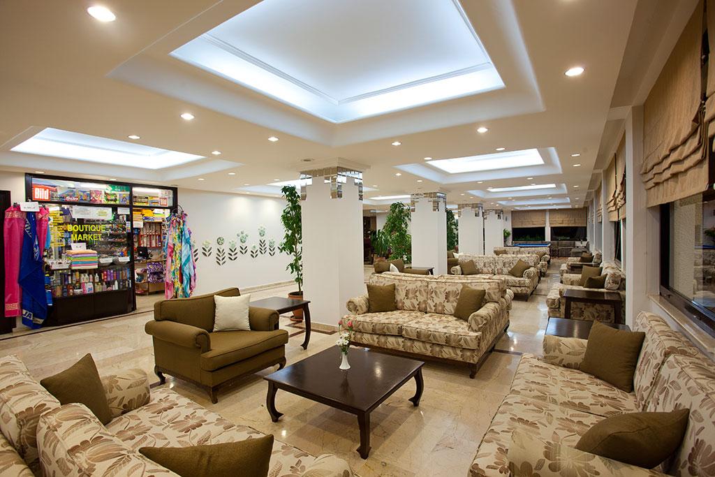 Club-Hotel-Titan-loby-001.jpg