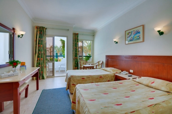 Sharm El Sheikh, Hotel Falcon Hills, camera, paturi.jpg