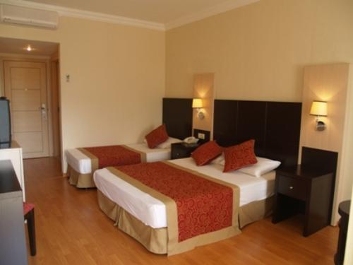 Hotel Garden Resort Bergamot camera.jpg