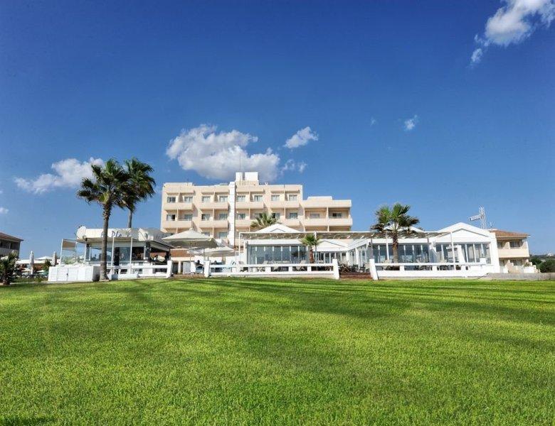 Pierre Anne Beach Hotel (4).JPEG