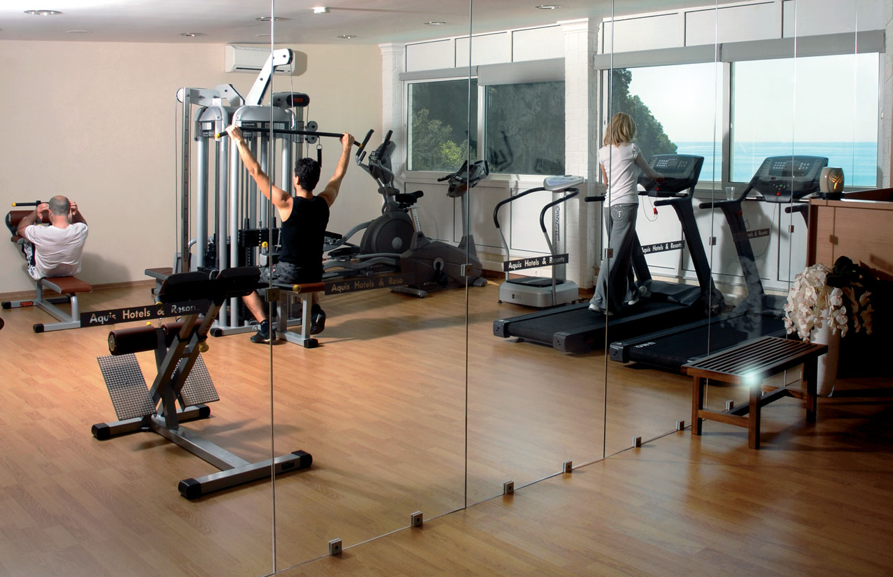 Fitness Hotel Agios Gordis.JPG