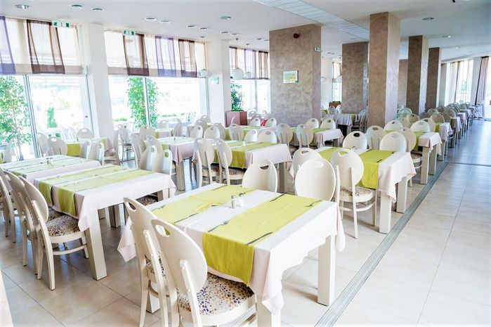 Aqua Nevis restaurant.jpg