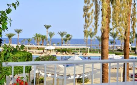 beach front view.JPG