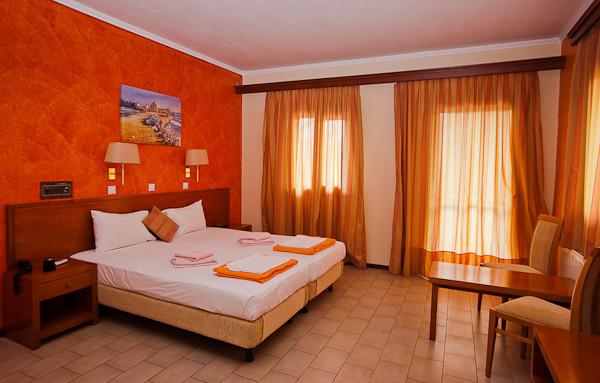Thassos, Hotel Pegassus, camera superior.jpg