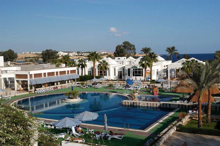 Hotel Maritim_piscina.jpg