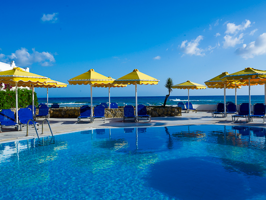 Hotel Mitsis Serita, tobogane, piscina exterioara.jpg