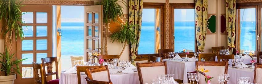 beach_dining_alex.jpg
