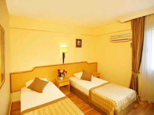 Hotel Saphir camera.JPG