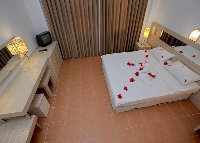 TWINS HOTEL 6.jpg