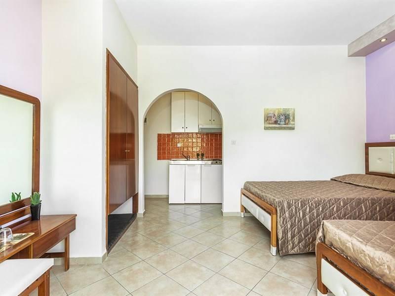 lemon-garden-villa-39425-232545.jpeg
