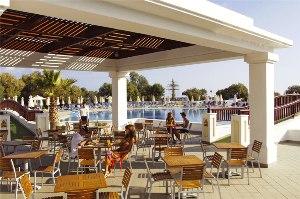 pool-restaurant.jpg