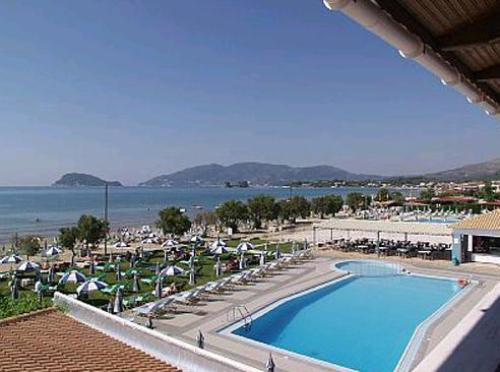 Hotel Blue Waves piscina.JPG
