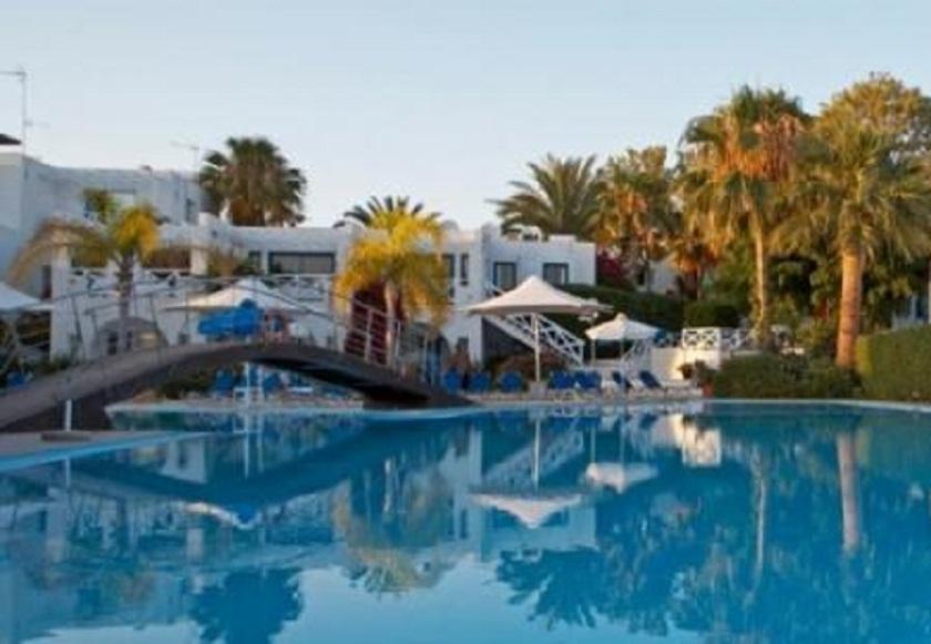 _achilleos_city2hotel1.jpg