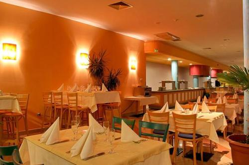 Hotel Azalia restaurant.JPG