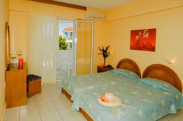 Zakynthos, Hotel Sunrise, camera dubla, AC.jpg