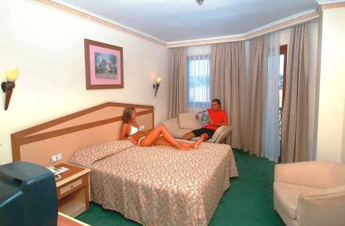 Hotel Stone Palace camera.JPG