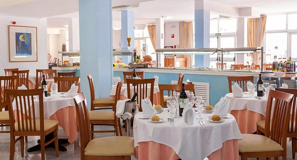 Bahia Flamingo, interior, restaurant.jpg