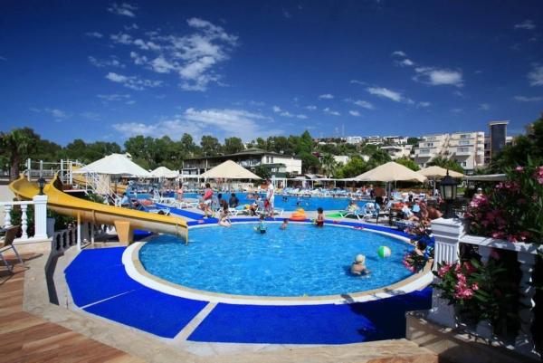 Bodrum, Hotel Golden Age, piscina exterioara.jpg
