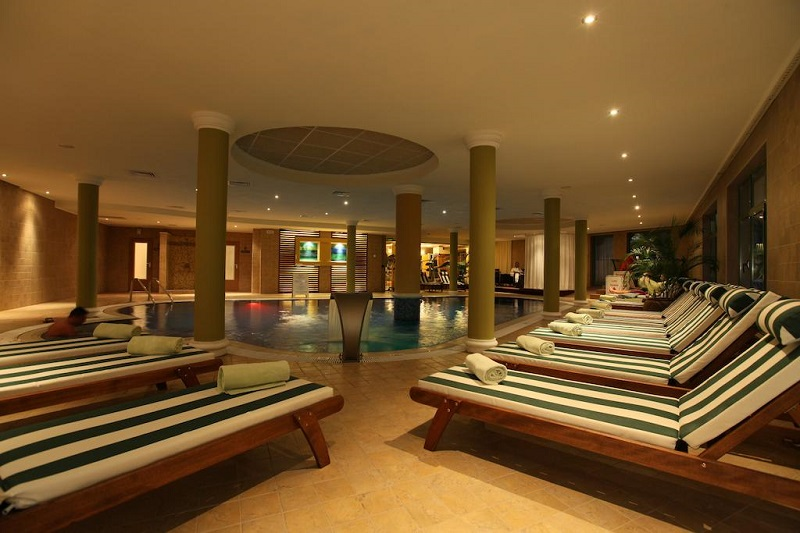 Hotel Romance-Splendid Piscina Interioara.jpg