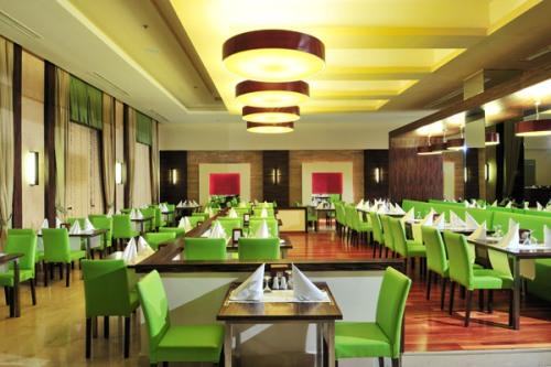 Hotel Voyage Belek restaurant.jpg