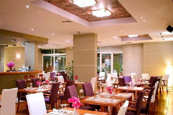 Zakynthos, Hotel Palatino, interior, bar, restaurant.jpg