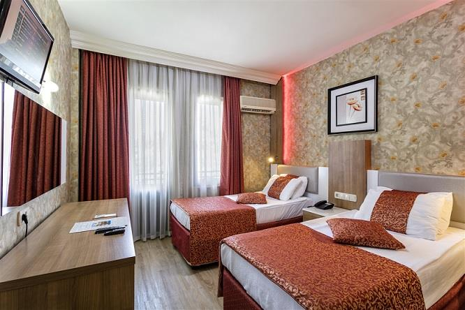 ALERIA BELPORT BEACH HOTEL 2.jpg