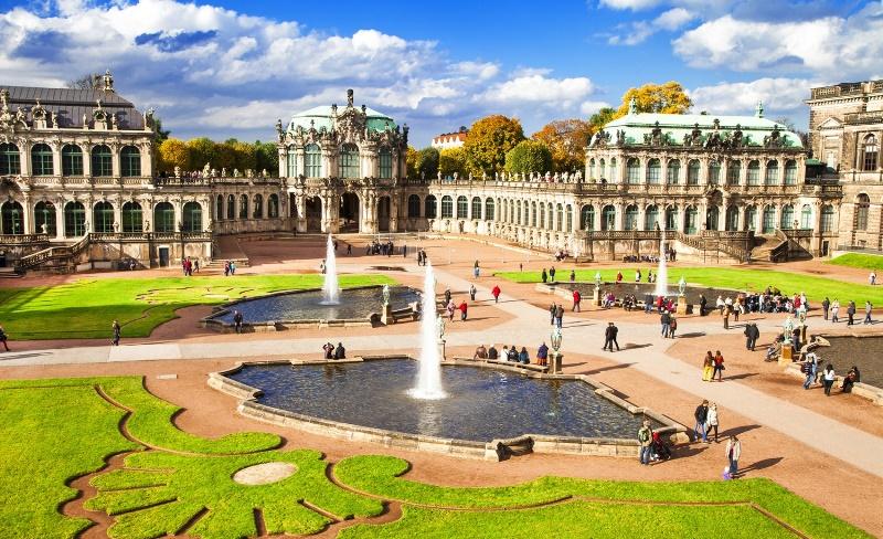 Palatul Zwinger, Dresda, Hello Holidays.jpg