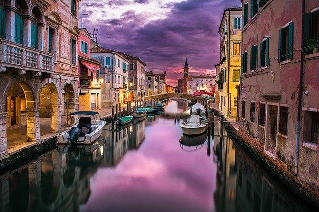 canal-1209808_640.jpg